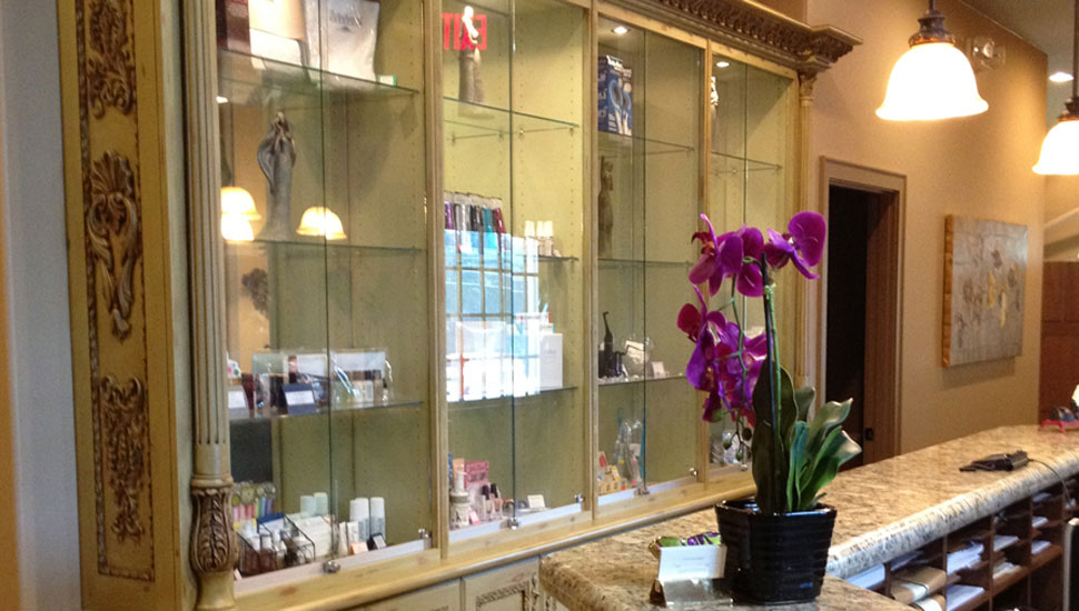 Five Forks Dental Care is one of Greenville's best dentist offices and you'll see that as soon as you enter our professional and ornate dentist office!